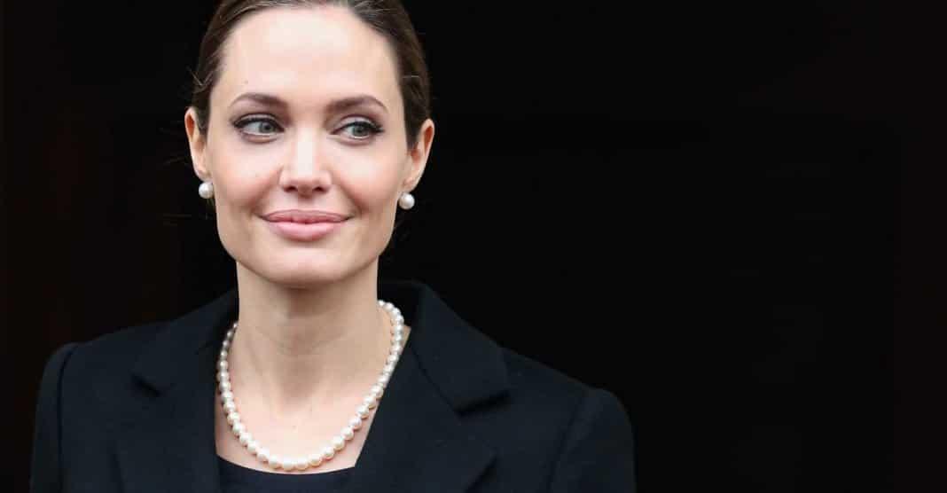 Angelina Jolie How Did She Made Progress Through Her Career
