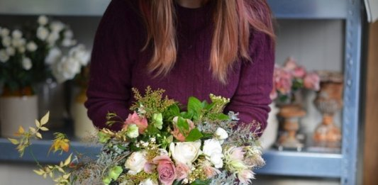 6 Essential Tips To Choose Wedding Flowers From The Experts