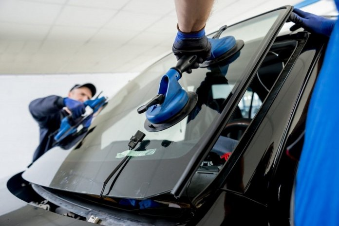 Mobile Auto Glass Repair is the Best Way to Get Your Windshield Repaired