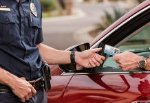 What does a traffic ticket lawyer do?