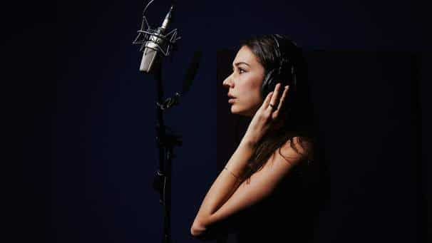 Some of the significant advantages of being a professional voice dubbing artist are listed below