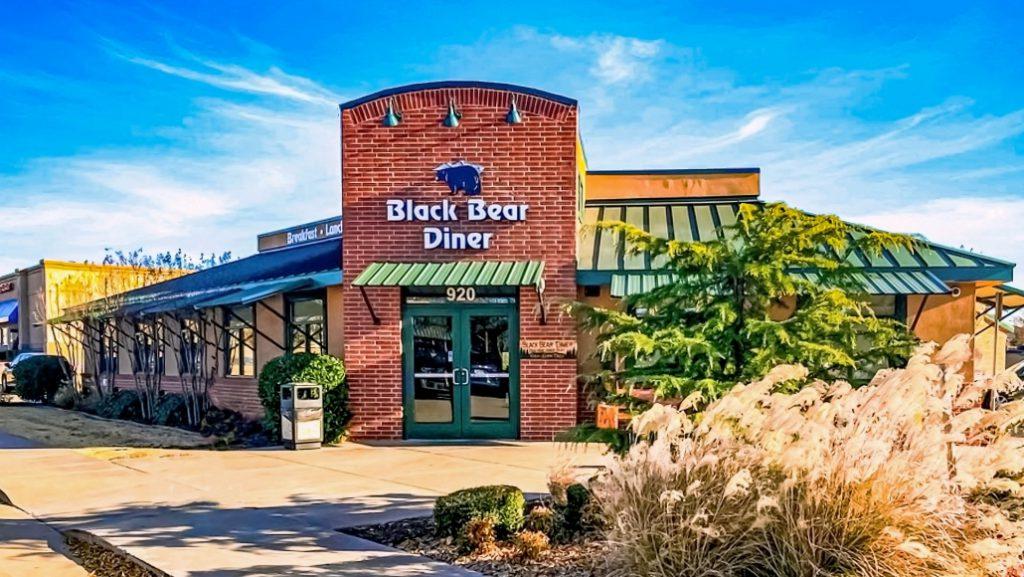 Black Bear Diner restaurants open on Christmas