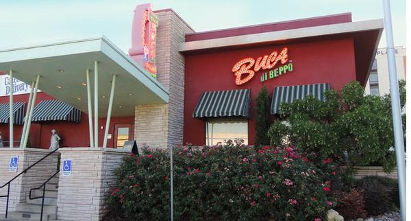 Buca di Beppo restaurants open on Christmas