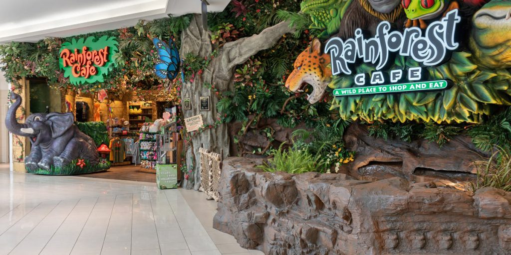 Rainforest Café restaurants open on Christmas