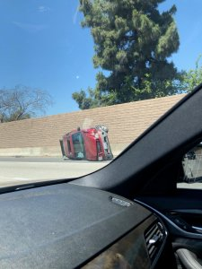 rollover-red-suv-freeway-EXIF
